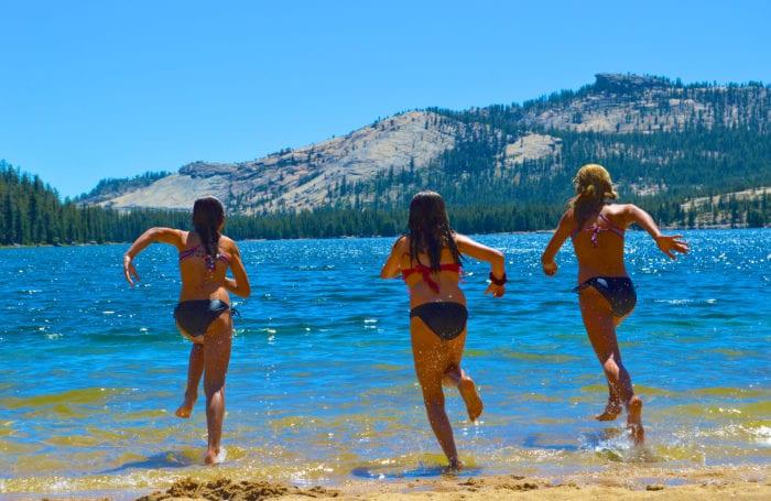 lake tahoe kayak and paddleboarding