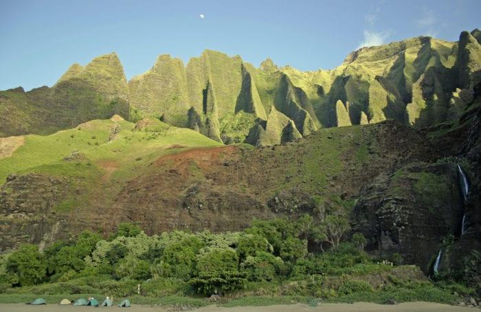 trekking in hawaii