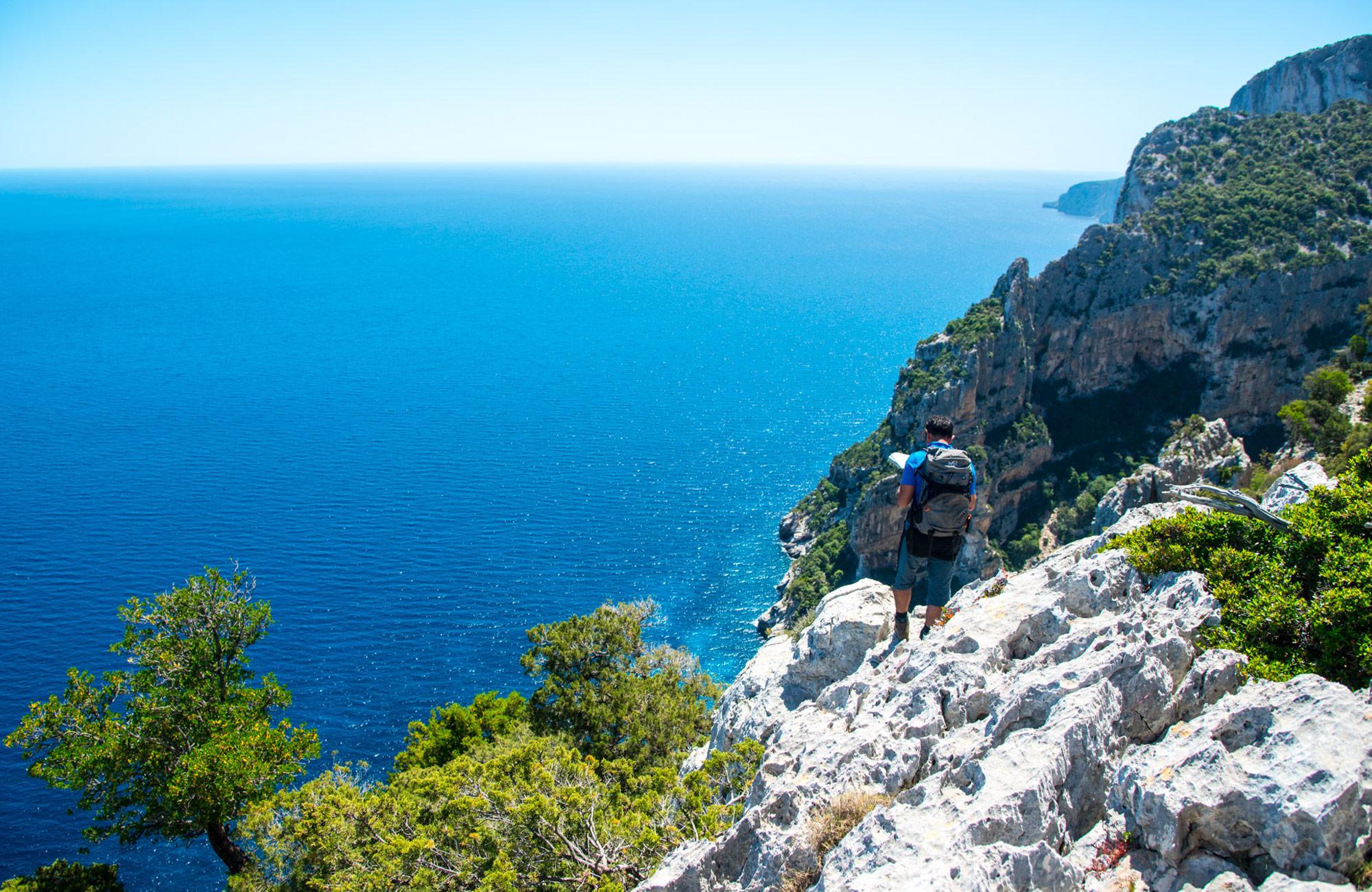 High school hiking trip on Moondance in Sardinia